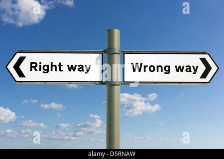 Bon sens, mauvais sens des choix et directions concept futur sign Banque D'Images