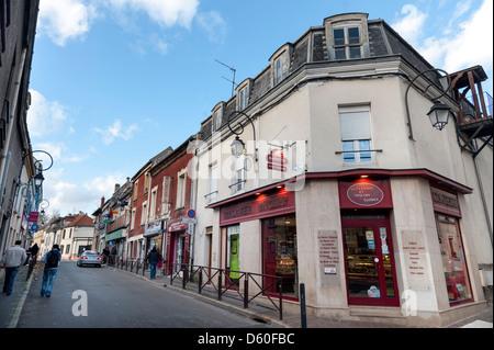 Boutiques dans la banlieue parisienne de Villiers-le-Bel