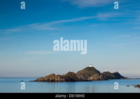 France, Corse, Ajaccio, pointe de la Pirata, vue sur les Iles Sanguinaires, Dawn Banque D'Images