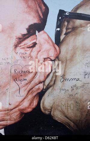 Un détail de l'art intitulée Brotherhood Kiss (Bruderkuss) par Dmitry Vrubel qui ornaient jadis une partie de la Banque D'Images