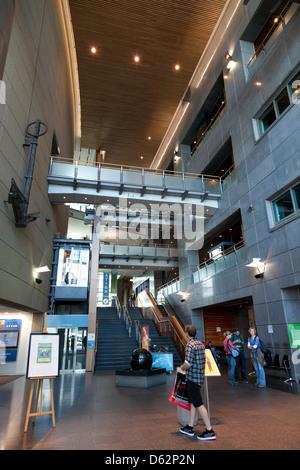 Hall d'entrée du musée Te Papa Tongarewa, Wellington, Nouvelle-Zélande Banque D'Images