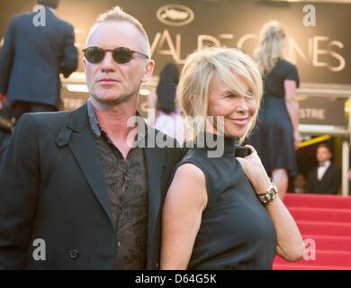 Chanteur Sting et sa femme Trudie Styler arrivent à la première de 'Mud' au cours de la 65e Festival de Cannes au Banque D'Images