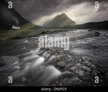 GB - Ecosse: River dans Coupall Glen Coe (Highlands) Banque D'Images