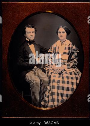 Jeune couple en tenue de ville, le Portrait, le daguerréotype, vers 1850 Banque D'Images