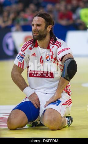 La Croatie Ivano Balic se trouve sur le terrain après le match de demi-finale entre la Serbie et la Croatie au Championnats Banque D'Images
