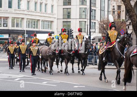Aldwych London Strand la baronne Margaret Maggie Thatcher WW1 transport funéraire du roi escorte Troop Royal Horse Banque D'Images