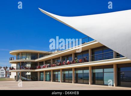 La scène à l'extérieur De La Warr Pavilion, Bexhill on Sea, East Sussex, England, UK, FR, EU, Europe Banque D'Images