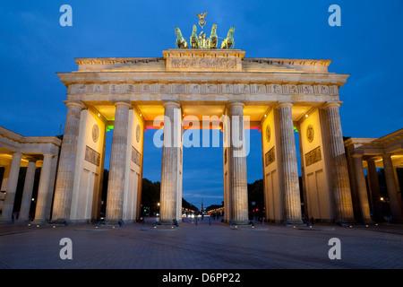 La nuit porte de Brandebourg, Berlin, Allemagne, Europe Banque D'Images