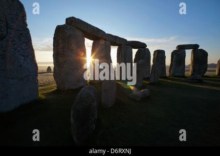 Royaume-uni, Angleterre, Stonehenge Wiltshire, au coucher du soleil Banque D'Images