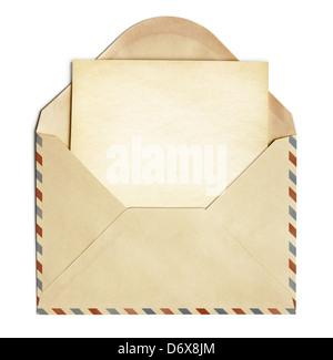 Enveloppe rétro avec de vieux papier vierge sheet isolated on white Banque D'Images