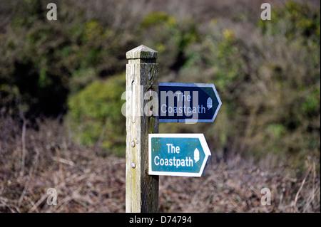 Panneau montrant la voie à l'enduire de Cornwall chemin Banque D'Images