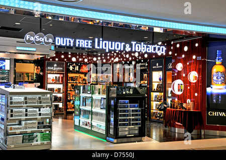 Si la Fa, l'alcool et tabac, boutique hors taxes de l'aéroport de Narita, Japon Banque D'Images