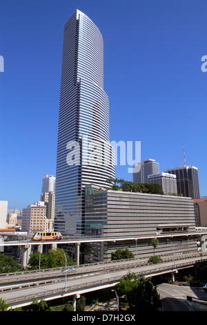 Florida FL South Miami Downtown City Skyline Cityscape I 95 Interstate sortie rampes autoroute Metromover les gens démettent les transports en commun