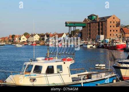 Wells next the Sea, Norfolk, Port, Grenier, ville, port, bateaux, paysages côtiers anglais côtes côte England UK