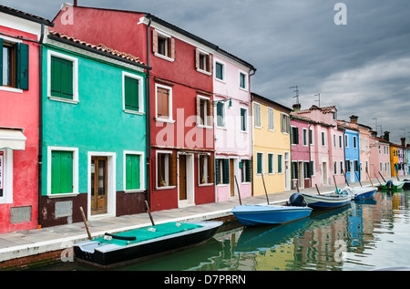 Libre aux maisons colorées de Burano, île et monument de Vénétie, Venise, en Italie Banque D'Images