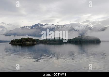 Le lac Manapouri, Doubtful Sound, Fiordland National Park, site du patrimoine mondial de l'UNESCO, Southland, île Banque D'Images