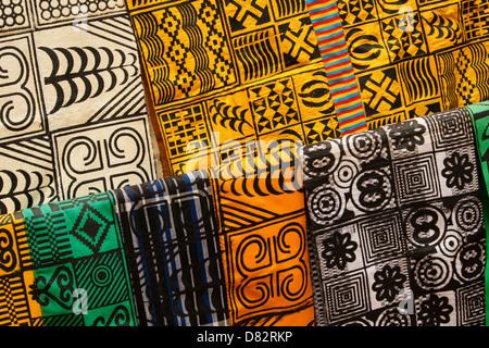 Chiffon estampillé Adinkra, Ntonso, Ghana Banque D'Images