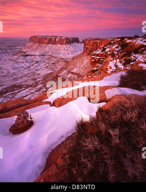 Lever du soleil d'hiver au-dessus de Grand View Point en île de la Sky District dans Canyonlands National Park près Banque D'Images