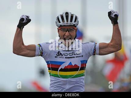 Prix: à Nove Mesto, en République tchèque, le 26 mai 2013. Nino Schurter vainqueur (SUI) , Coupe du monde, vtt, Banque D'Images
