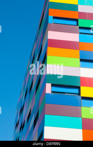Façade de l'immeuble. Colorines PAU Carabanchel, Madrid, Espagne. Banque D'Images