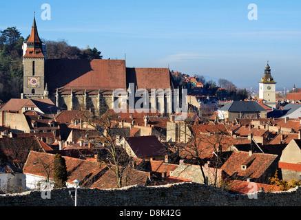 Centre-ville médiévale de Brasov avec de l'Église Noire. La Transylvanie, Roumanie. Banque D'Images