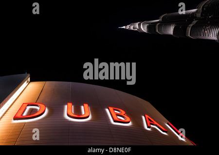 Le centre commercial de Dubaï Burj Khalifa et façade, centre commercial, centre-ville de Dubai, Dubaï, Émirats arabes Banque D'Images