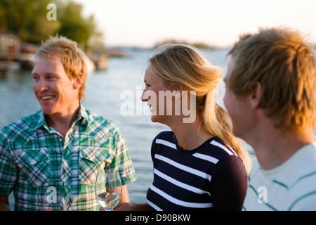 Trois gens heureux, Fejan, archipel de Stockholm, Suède.