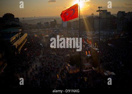 La Place Taksim, Istanbul, Turquie. 8 juin, 2013. Vue générale de la Place de Taksim à partir du haut de l'édifice Banque D'Images