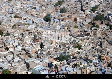 Vue sur les toits de la 'ville bleue' de Jodhpur de fort Mehrangarh, Jodhpur, Rajasthan, India