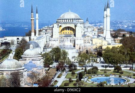 Sainte-sophie, Constantinople, Turquie. Avec la cathédrale basilique à coupole construite sous la direction de Justinien Banque D'Images