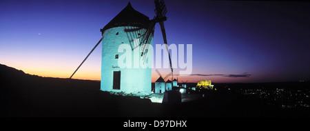 Consuegra. Les moulins à vent sur la colline de Calderico.
