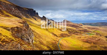 Le Quiraing un étrange paysage sur l'extrémité nord de la péninsule de theTrotternish Ile de Skye Highlands Scotland Banque D'Images