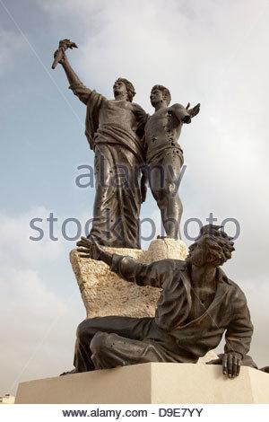 La Statue des Martyrs, criblée de trous de balles, à la Place des Martyrs à Beyrouth, Liban Banque D'Images