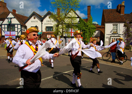 Morris dancing, Stratford upon Avon, Warwickshire, England, UK Banque D'Images