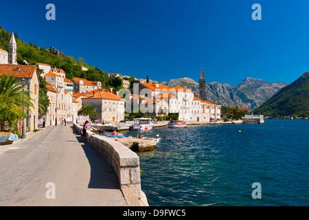 Perast, baie de Kotor, site classé au Patrimoine Mondial de l'UNESCO, le Monténégro Banque D'Images