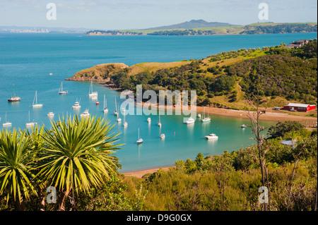 Bateaux à voile sur l'île de Waiheke, Auckland, île du Nord, Nouvelle-Zélande Banque D'Images