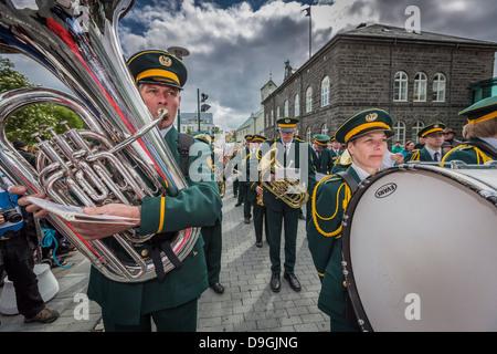 Marching Band dans un défilé lors de la fête de l'indépendance de l'Islande, le 17 juin, Reykjavik, Islande Banque D'Images