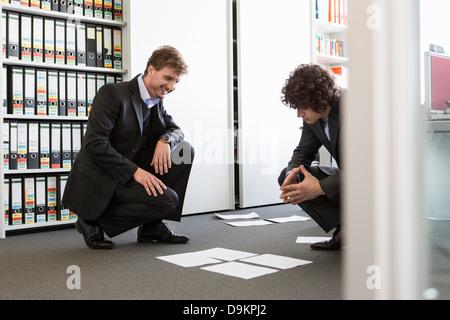 Documents d'affaires portant sur l'étage Bureau Banque D'Images