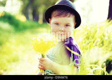 Portrait d'un petit enfant mignon Banque D'Images