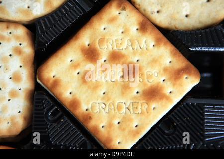 Jacob & Co cream cracker dans une boîte de craquelins de Jacob Banque D'Images