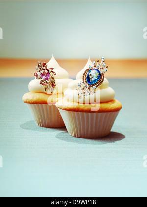 Cupcakes avec bijoux Banque D'Images