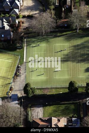 Vue aérienne de Beverley & East Riding club de tennis avec des personnes jouant des tribunaux Banque D'Images