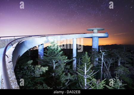 La plate-forme d'observation de l'Clingman Dome dans les Great Smoky Mountains. Banque D'Images