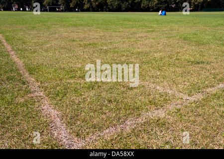 Terrain de football vue depuis l'angle marqueur.