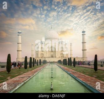 Taj Mahal sur le lever du soleil coucher du soleil, symbole indien - Inde billet d'arrière-plan. Agra, Uttar Pradesh, Banque D'Images