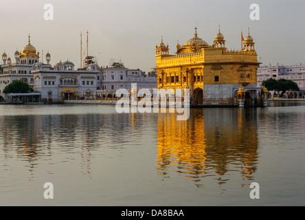 L'Inde, Punjab, Amritsar, Harmandir Sahib (Temple d'Or), centre spirituel et culturel de la religion sikh Banque D'Images