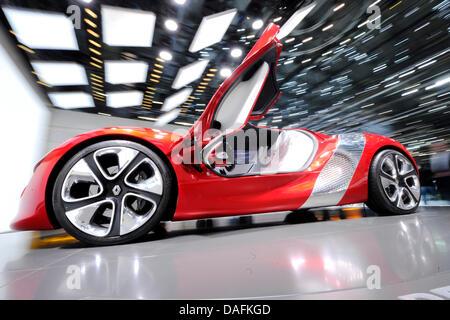 Une voiture Dezir Renault est présentée sur la deuxième journée de la presse du salon de Genève sur les motifs d'Exposition Banque D'Images