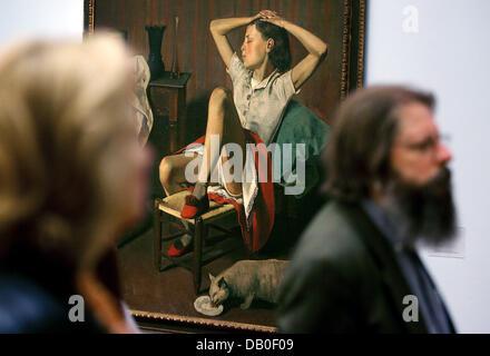 Visiteurs passent par le 1938-peinture 'Thérèse, rêvant' par Balthus (Balthasar Klossowski, 1908-2001) à 'Museum' Banque D'Images