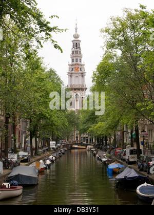 Groenburgwal canal avec l'église Zuiderkerk dans le centre-ville d'Amsterdam, Pays-Bas Banque D'Images