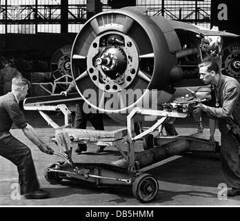 Evénements, Seconde Guerre mondiale / Seconde Guerre mondiale, Allemagne, industrie de l'armement, moteur d'avion allemand Jumo 211 pour un bombardier moyen Junkers Ju 88, vers 1942, droits supplémentaires-Clearences-non disponible